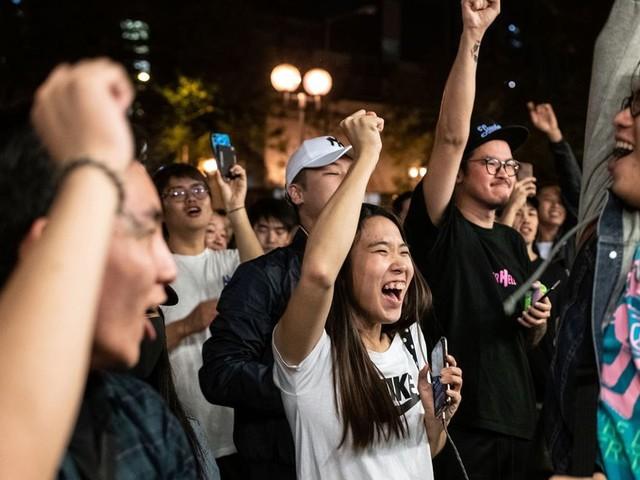 À Hong Kong, les pro-démocratie se dirigent vers une victoire écrasante