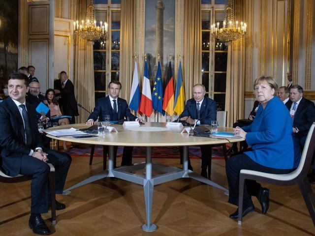 """VIDEO. Ukraine : Emmanuel Macron salue """"une relance crédible des pourparlers de paix"""" après le sommet réunissant les présidents russe et ukrainien"""