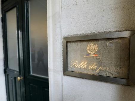 Macron clôt la polémique sur la salle de presse de l'Elysée