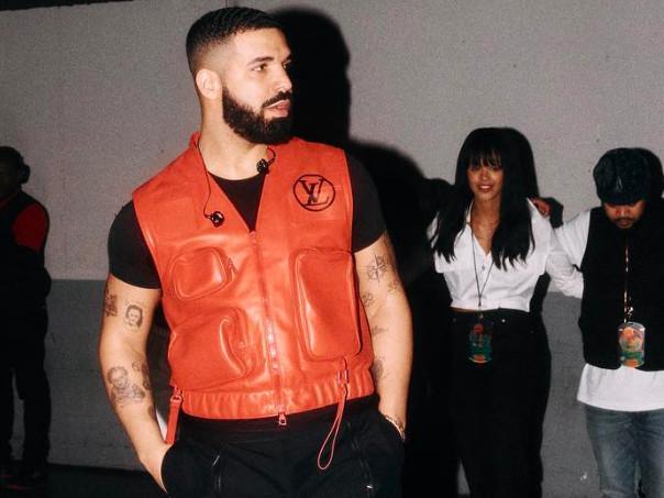 Drake : demande en mariage et Ferrari volante pour sa 1ère date à Paris [Vidéo]