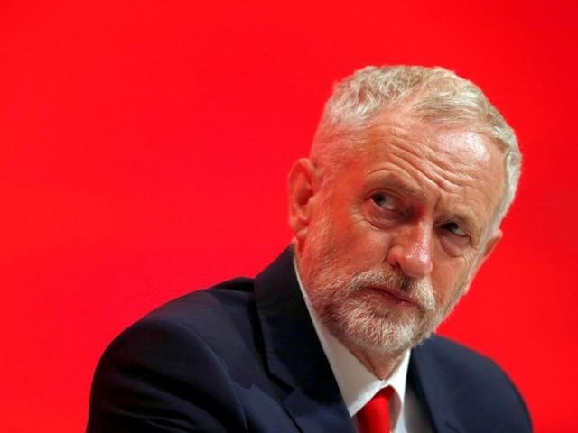 Corbyn promet un référendum sur le Brexit, sans préciser sa position