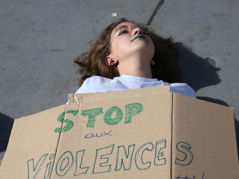 Lutte contre les violences sexuelles: comment s'organisent les partis politiques ?