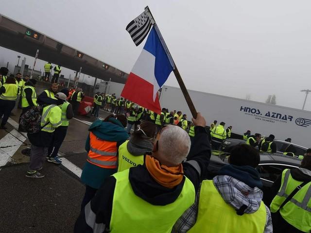 """""""Gilets jaunes"""" : la société des autoroutes Rhône-Alpes veut retrouver les automobilistes qui n'ont pas payé les péages"""