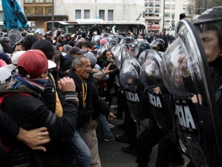 """Argentine: manifestation pour """"l'urgence alimentaire"""" à Buenos Aires"""