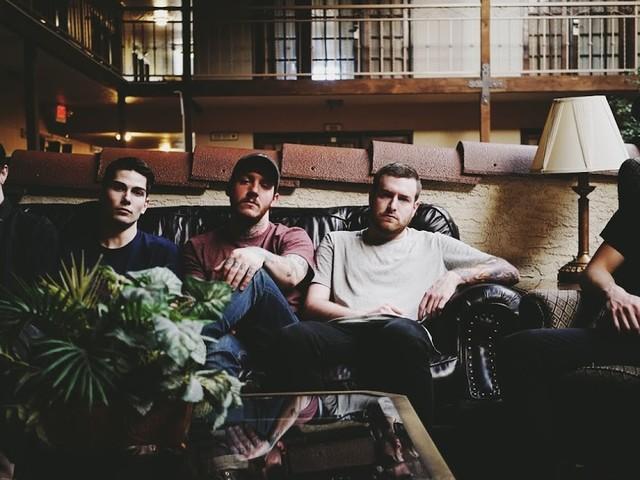 Counterparts : nouvelle chanson en écoute, Haunt Me