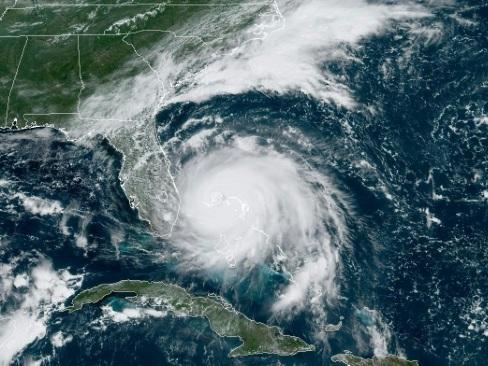 Petit mais féroce, et lent: pourquoi l'ouragan Dorian est extrême