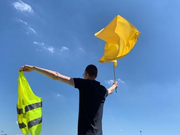 Gaz lacrymogène, canons à eau: mobilisation des Gilets jaunes à Toulouse – images