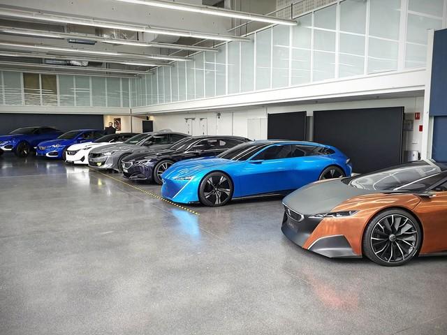 Visite privée : L'argus dans les réserves du centre de style Peugeot