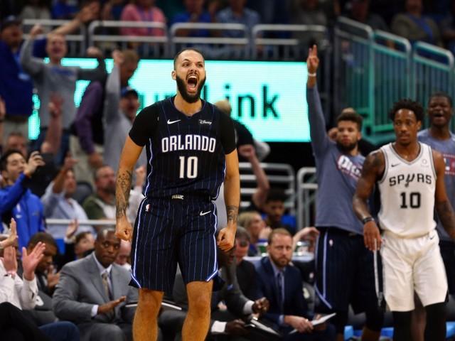 Fournier enfonce les Spurs