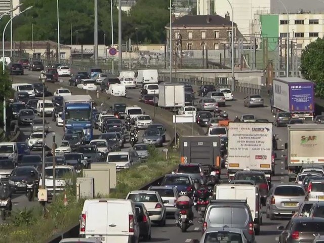 Périphérique parisien : Anne Hidalgo lance la concertation sur le passage à 50 km/h et les voies réservées