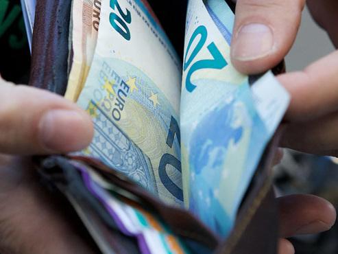 Pensions, salaires du secteur public et allocations sociales vont augmenter: voici pourquoi