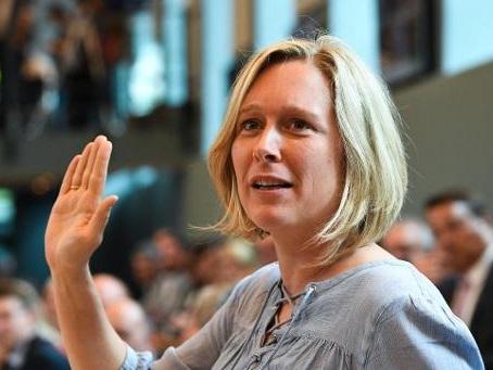 Bénédicte Linard, une enseignante attirée en politique par J-M. Nollet