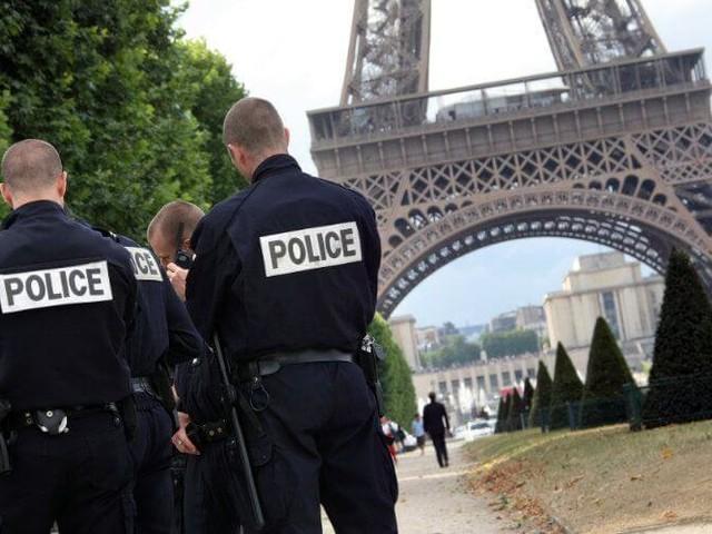 France : les deux fiancés de Daech au tribunal