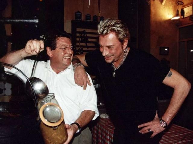 EN IMAGES : Jean-Pierre Xiradakis, le chef des stars quitte le restaurant la Tupina