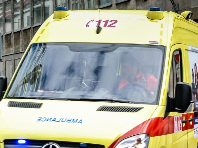 L'homme qui a perdu la vie dans un accident vendredi matin à 200 mètres de chez lui ne serait pas mort naturellement: une enquête ouverte
