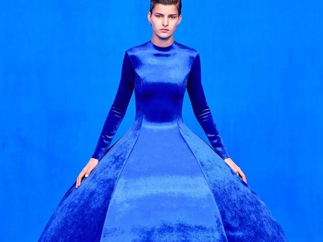 Balenciaga revient à la haute couture