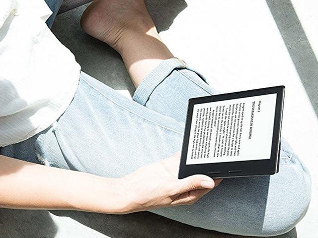 Vous pouvez d'ores et déjà précommander la nouvelle Kindle : plus grande et désormais étanche !
