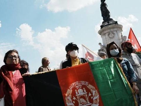 Afghanistan : Les eurodéputés prônent un programme spécial de visas pour les femmes afghanes