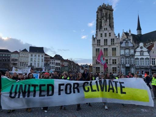 Près de 3.000 personnes ont manifesté pour le climat dans 7 villes du pays