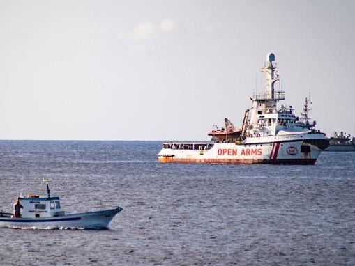 Situation tendue à bord de l'Open Arms, sur fond de bras de fer entre l'Espagne et l'Italie