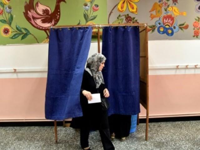 Les Algériens votent aux élections locales dans un climat morose