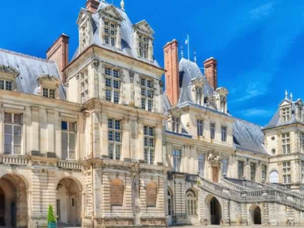 Visitez le château de Fontainebleau en taxi