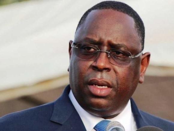 Sénégal : colère de Macky Sall après le chavirement de pirogue transportant des jeunes
