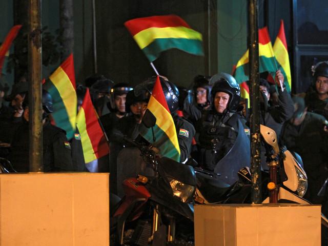 Bolivie: les mutineries s'étendent, appel du pouvoir à manifester à La Paz