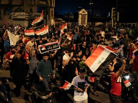 """Irak: des milliers de manifestants à Bagdad pour réclamer """"la chute du régime"""""""