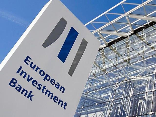 Comment la BEI aide les banques à financer les PME et la transition écologique