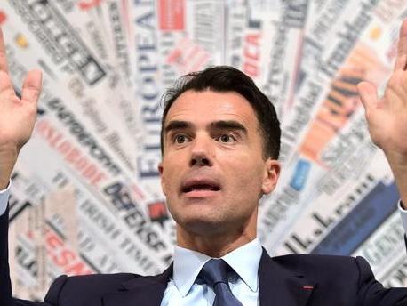 Soupçonné de travailler également pour Malte, le conseiller Sandro Gozi annonce sa démission de Matignon