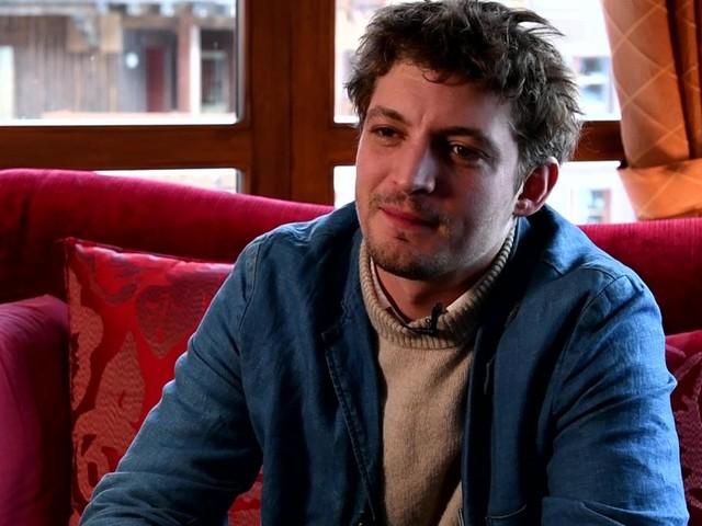 """Revenir - Niels Schneider : """"Ce que j'aime dans les premiers films, c'est l'énergie"""""""
