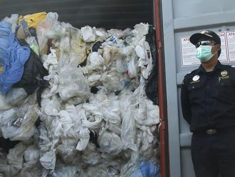 Conteneurs de déchets renvoyés : l'Asie est-elle la poubelle de la France ?