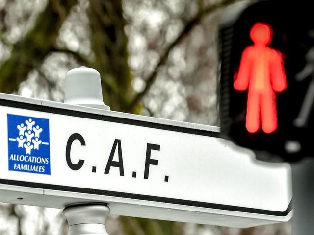 Des familles privées d'aides de la CAF pour la garde d'enfants après un bug