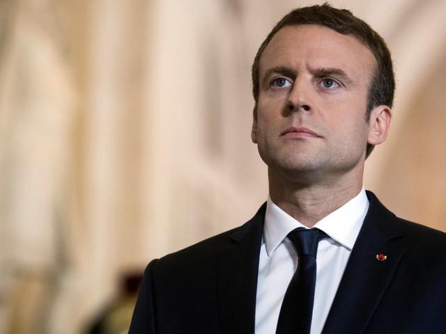 Emmanuel Macron régénère la Ve République et s'inscrit dans le sillage de François Mitterrand