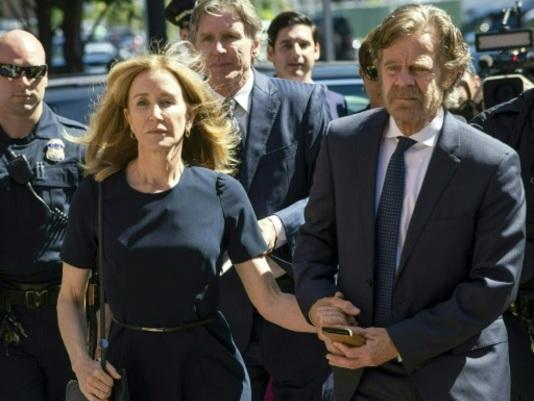 Corruption pour entrer à l'université: l'actrice Felicity Huffman condamnée à 2 semaines de prison