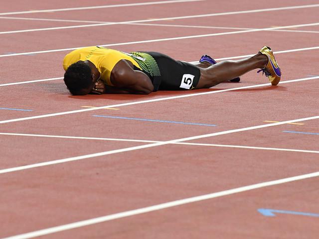 Mondiaux d'athlétisme : Usain Bolt quitte l'arène sur blessure dans le relais 4x100 m