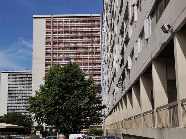 Un jeune homme tué par balles au volant de sa voiture cité Frais-Vallon à Marseille