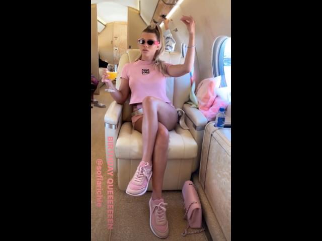 Sofia Richie, 21 ans : son anniversaire façon Vegas avec Kylie Jenner