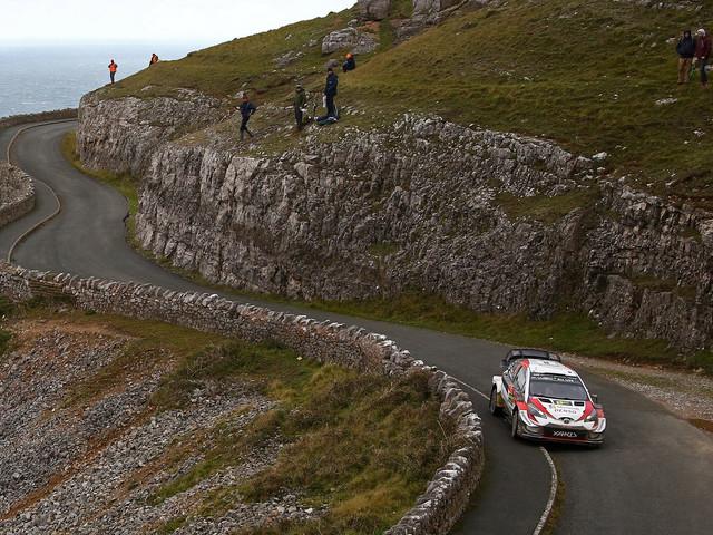 Rallye de Grande-Bretagne: Tänak creuse l'écart sur Ogier et Neuville
