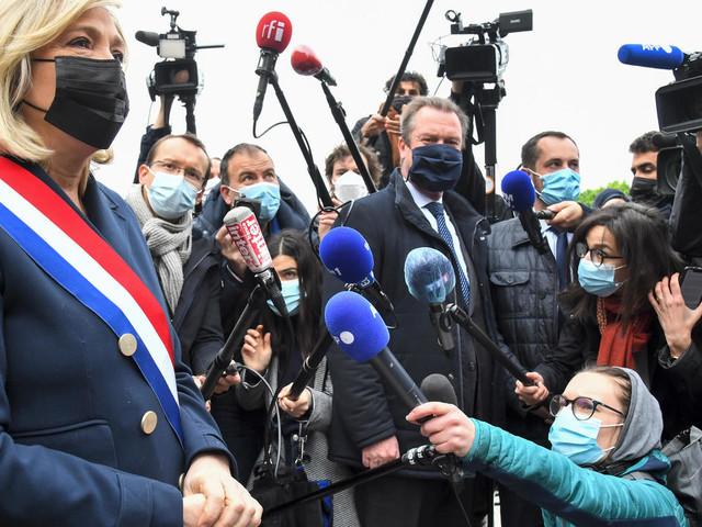 """La réélection de Macron conduirait au """"chaos général"""", selon Marine Le Pen"""