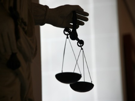 """""""Il voulait voir ce que ça faisait de tuer"""": l'étudiant sage en procès à Chambéry"""