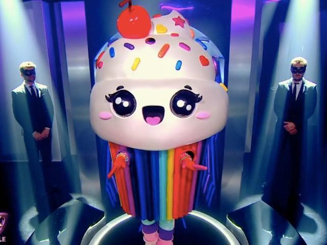 """Dans """"Mask Singer"""", le Cupcake démasqué cachait une chanteuse bien connue"""