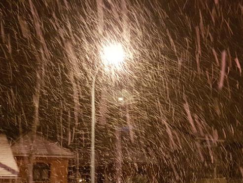 Prévisions météo: des chutes de neige et des rafales de vent jusqu'à 85 km/h