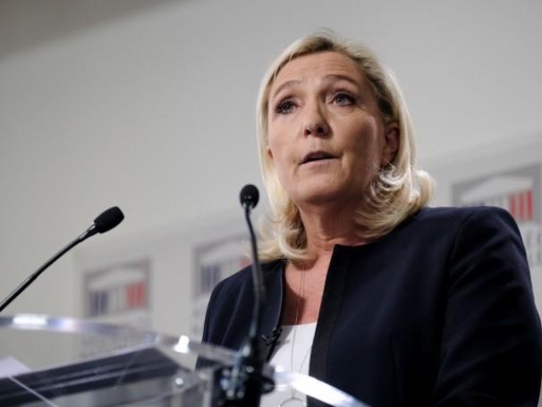 Présidentielle : Marine Le Pen annonce sa candidature pour 2022