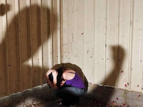 Grenelle des violences conjugales : Comment mieux protéger les enfants témoins des coups portées à leur mère?