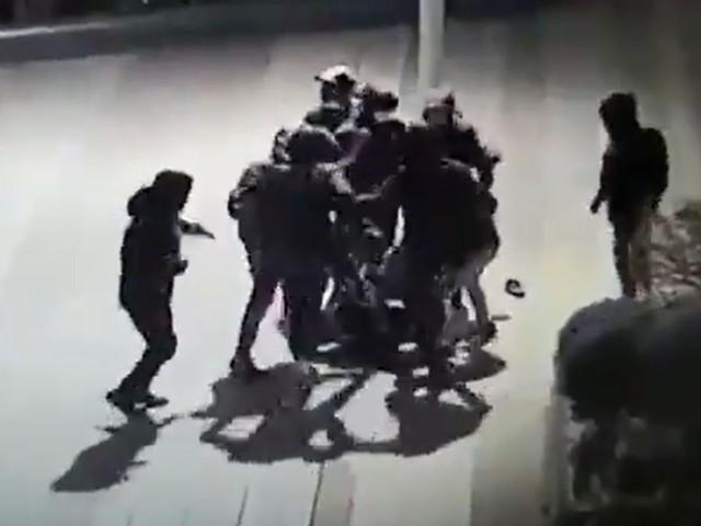 """Tabassage d'un adolescent à Paris : l'Elysée a eu un """"échange"""" avec la mère de Yuriy"""