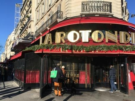 Enquête après une intrusion et un départ de feu dans une brasserie prisée de Macron