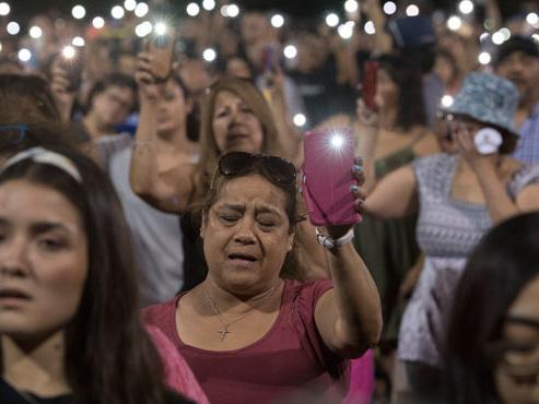 En moins de 24 h, 2 tueries de masse aux Etats-Unis: que sait-on sur les auteurs, leurs motivationset les victimes?