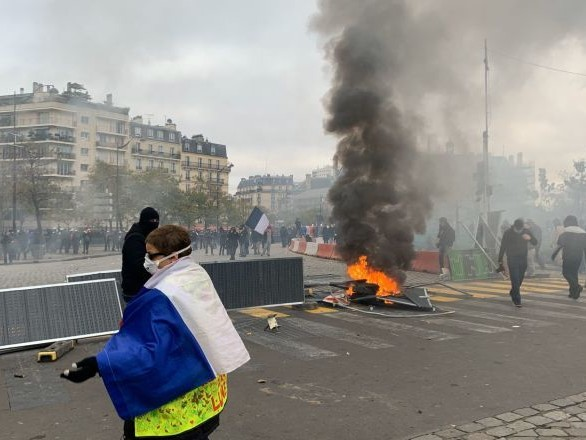 Les organisateurs de la manifestation des Gilets jaunes à Paris fustigent la préfecture de police